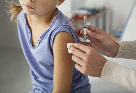 В ОАЭ китайской вакциной будут прививать детей от трех лет