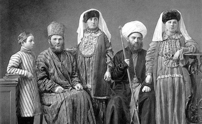 Татарская аристократия (Фото: realnoevremya.ru).
