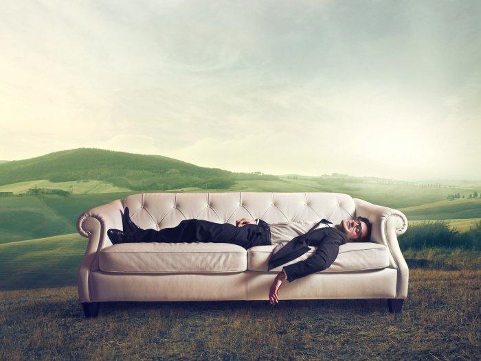 Время для спящего отлично от времени бодрствующего (Фото: elements.envato.com).
