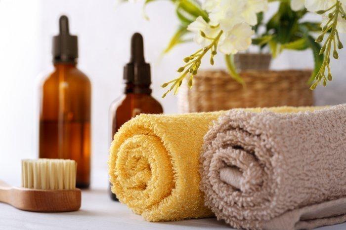 Лучше избегать принятие ванны или душа ночью (Фото: elements.envato.com).