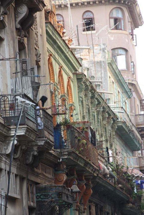 Куба привлекает сотни тысяч туристов (Фото: Zirrar, sacredfootsteps.org).