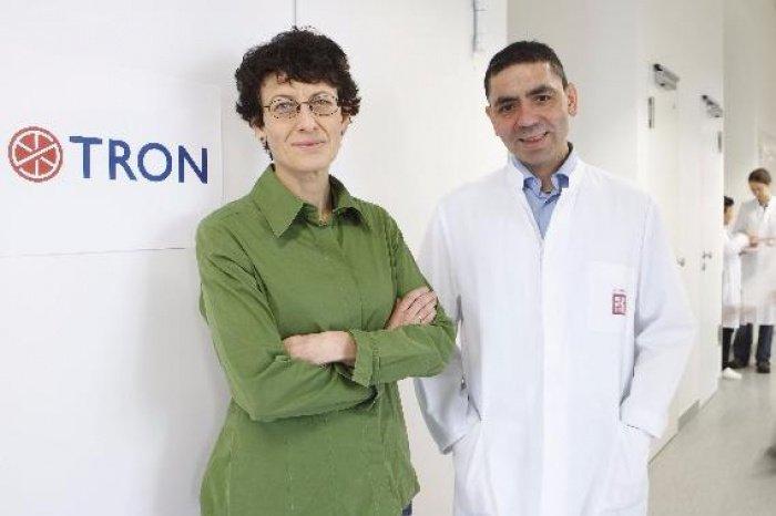 Доктор Угур Сахин и доктор Озлем Тюреци (Фото: themuslimvibe.com).