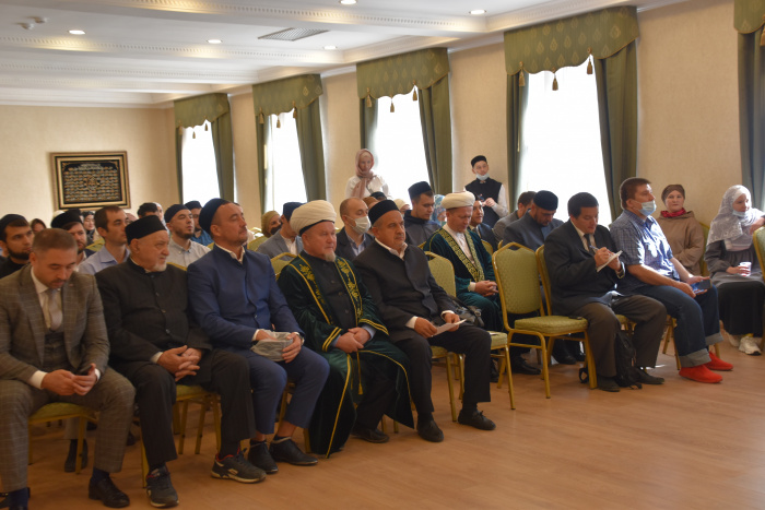 В РФ появилось первое учебное пособие «Гражданская идентичность мусульман России»