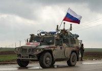 Российская военная полиция патрулирует город Дераа-эль-Балад в Сирии