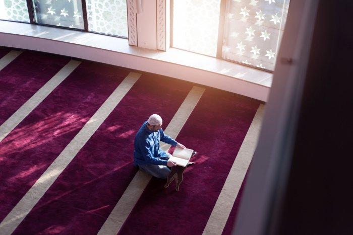 Аллах скор в расчете: какое наказание уготовано прелюбодеям?