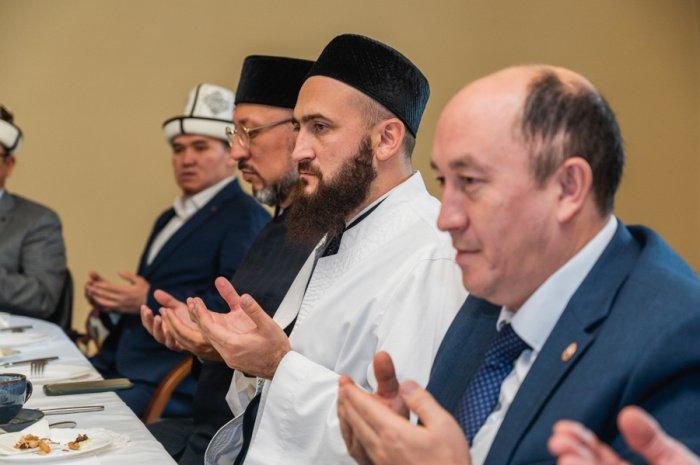Муфтий РТ принял официальную делегацию из Кыргызстана