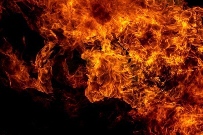 Пусть Всевышний Аллах убережет нас от пылающего огня и мук Ада.