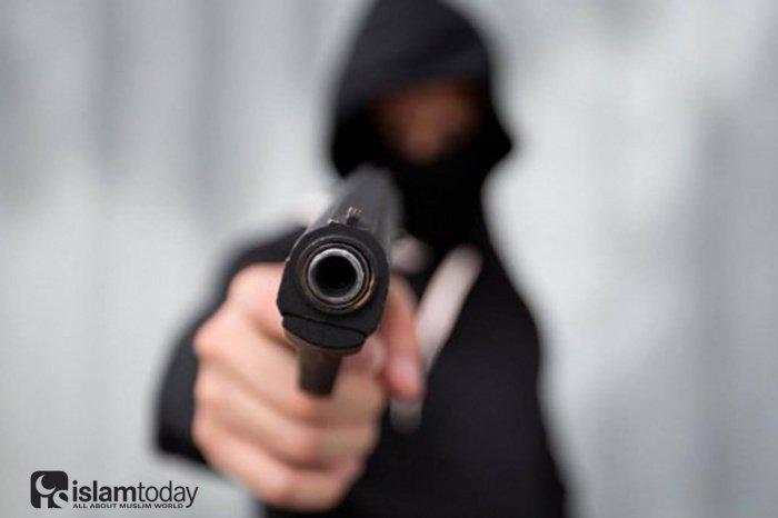 «Преступно одно – ничего не делать, снимать на телефон, выкладывать в интернет», – экс-сотрудник МЧС (Фото: diariolibre.com).
