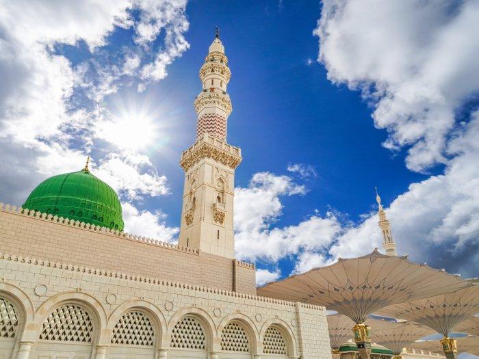В качестве порицания тех, кто отказался совершить хиджру, Аллах ниспослал аяты Корана (Фото: shutterstock.com).