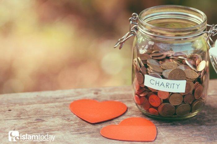 Милостыня заключает в себе важные духовные ценности.