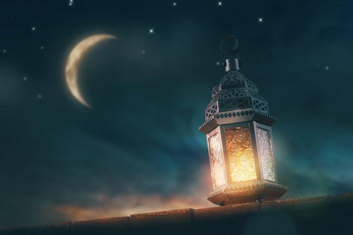 В ночь Мавлида мир почтил сам посланник Аллаха ﷺ.