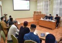 Студенты исламских вузов приняли участие в викторине от ИД «Хузур» (Фото)