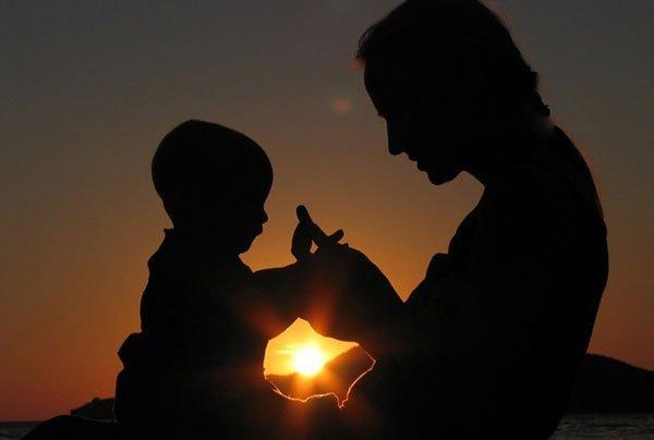 Значение молитвы (дуа) мамы за ребенка