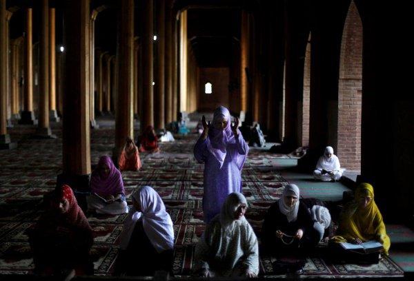 О посещении женщинами мечети