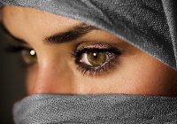 Анонимная исламская линия доверия: Я приняла Ислам, не девственница, не могу из-за этого выйти замуж