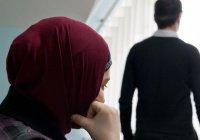 По причине отдаленной работы мужа я лишена супружеской близости. Не нарушает ли супруг мои права?