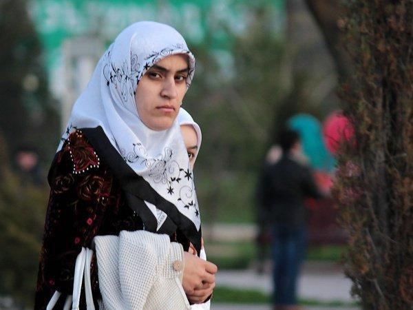 #hijabuppropet (протест за хиджаб)