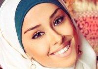 Опрос: Как должна одеваться мусульманка в обществе?