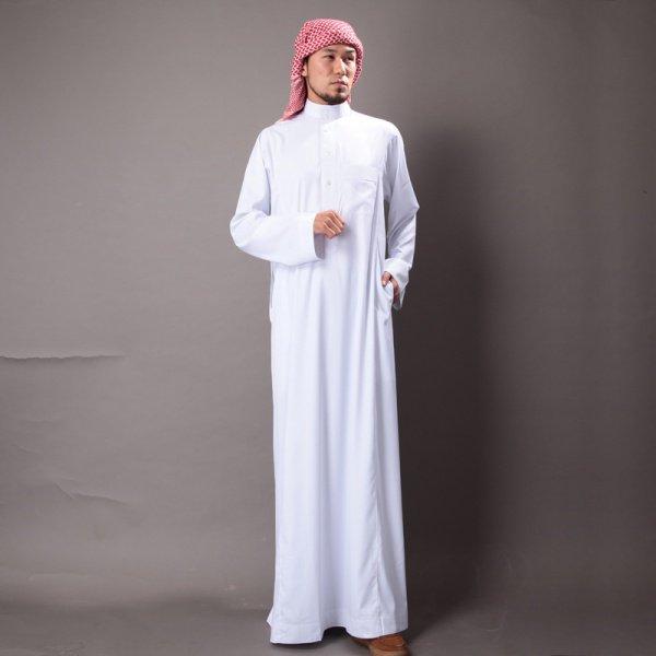 Если Аллах наградил тебя имуществом, признак его (милости) и щедрость его обязательно должна быть видна на тебе