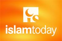 После поднятия полумесяца прихожане и хазраты произнесли такбир и ознакомились со строительными работами внутри мечети.