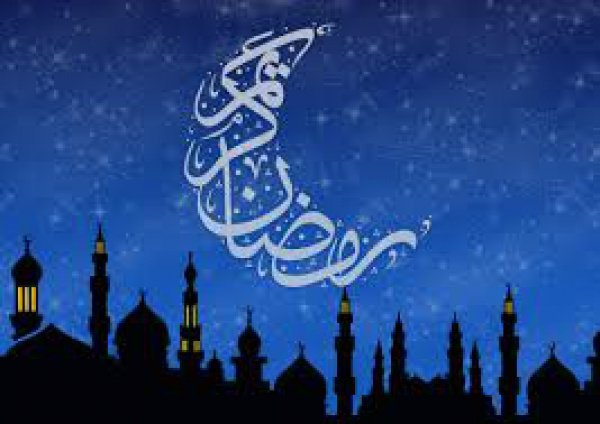 Сны не могут быть основанием для шариатских положений. Однако, положительные, вещие сны могут приоткрыть завесу некоторых тайн.