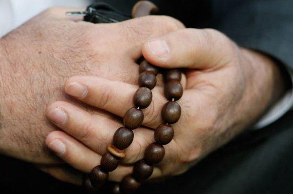 Мусульманские четки в руках Бердыева