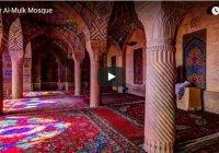 Видео дня: такое можно увидеть только утром и только в одной мечети