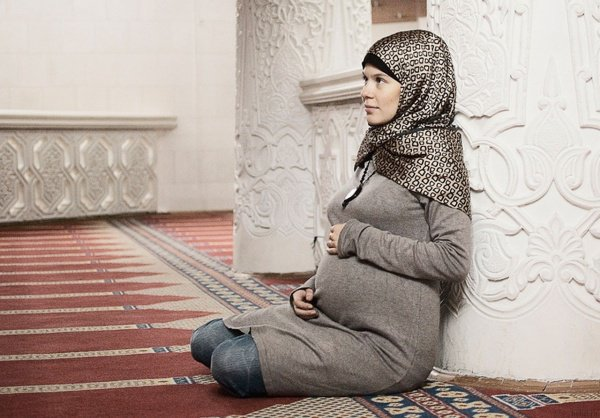 В ожидании чуда: беременная мусульманка