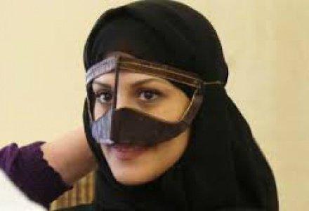 маски на лице женщин в эмиратах