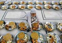 Дуа, которая читается после еды (Транскрипция)