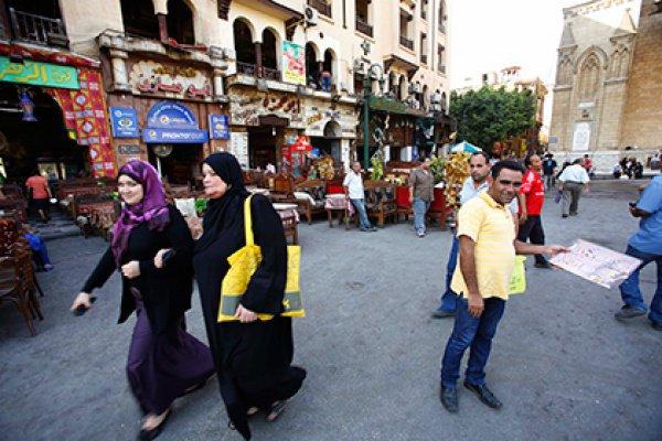 Ранее многие египтянки в социальных сетях пожаловались на дискриминацию в ресторанах и на дорогих курортах