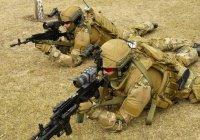 Голландские солдаты имитируют звуки выстрелов из-за нехватки боеприпасов
