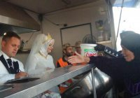 Мусульмане пригласили на свадьбу 4000 сирийских беженцев