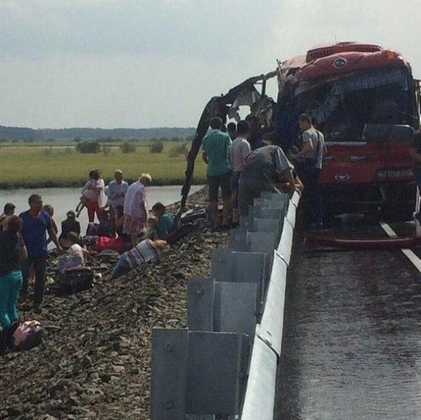 Водитель автобуса, попавший в ДТП в Хабаровске, рассказал о причине аварии.