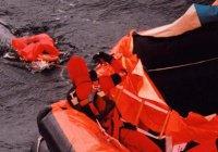 Корабль с 700 мигрантами перевернулся у берегов Ливии