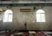 В саудовской мечети взорвали 17 человек