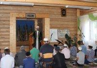Муфтий Татарстана провел праздничную проповедь в деревне Айша