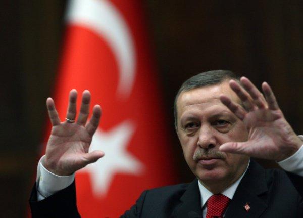 Не менее 9 убитых в целой серии атак в крупнейшем городе страны Стамбуле