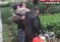 Поступок двух мусульман растопил сердца китайских зрителей