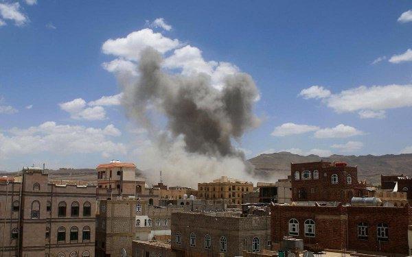 Саудовская авиация подвергла в пятницу бомбардировке йеменский город на юго-западе страны