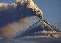 Вулкан Шивелуч выбросил 6-километровый столб пепла