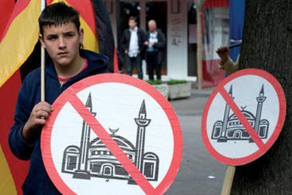 За год в Лондоне произошло 816 исламофобских инцидента