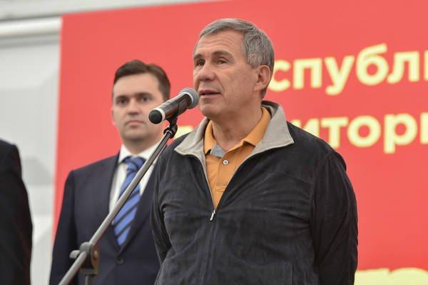 Минниханов принял участие в начале строительства «Агромира Казань».