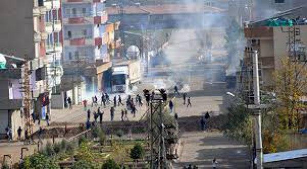 Обстановка в Турции обострилась после нападений на полицейских в юго-восточных провинциях