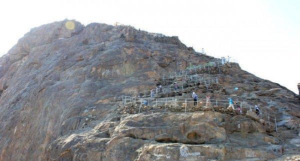 Та самая гора Хира, в которой уединялся посланник Аллаха (мир ему)