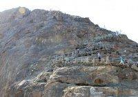 Почему пророк (мир ему) любил уединяться на горе Хира?