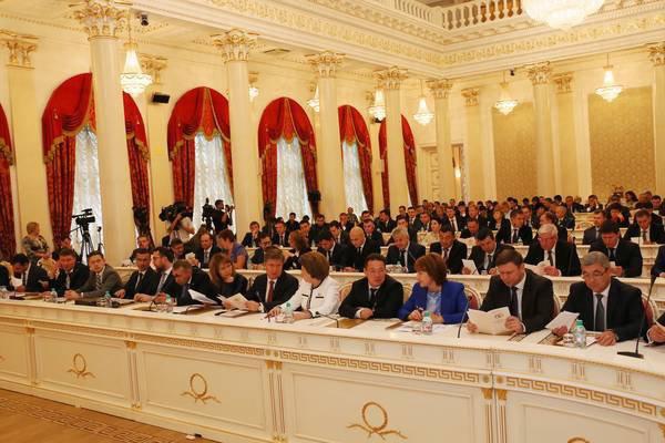 Шаймиев принял участие в первой сессии Казгордумы третьего созыва.