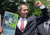 Мусульманин заработал на лице Барака Обамы (ФОТО)