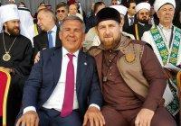 Минниханов сделал селфи с Кадыровым и Соборной мечетью в Москве
