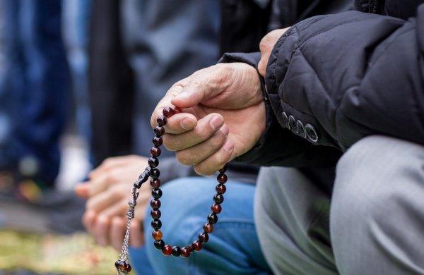 Психология и сознание: 3 признака ложной набожности